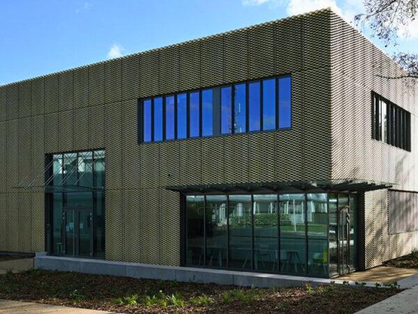 facade_1-600x450