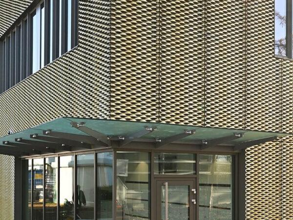 facade_2-1-600x450